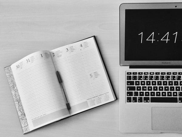 agenda e computador